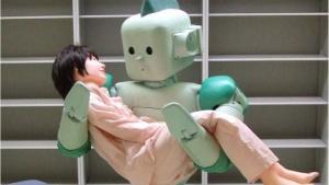 Mens industrirobotter er velkendte, er der stadig kun få robotter i plejesektoren, og det skyldes ikke mindst kompleksiteten i at kunne håndtere mennesker. Det skal et hold forskere ved Syddansk Universitet løse og bygge en robot til danske plejehjem.
