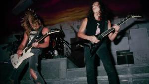 »Amerikansk kultur har længe givet efter og undskyldt for unge hvide mænds vrede og forvirring, og det gør det nemt at afvise vrede unge mænd i dag. Metallicas musik kan appeleretil alle, men jeg lur mig, om bandets diskografi ikke tilbyder en særlig form for tilflugt for drenge, der hverken vil slås eller spille fodbold, men trods alt har brug for en ventil for al ungdommenssmerte og forvirring.«