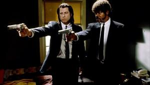 """Pulp Fiction fylder 20 år i dag. Læs Washington Posts anmeldelse af filmen fra 1994: """"The experience overall is like laughing down a gun barrel, a little bit tiring, a lot sick and maybe far too perverse for less jaded moviegoers."""""""