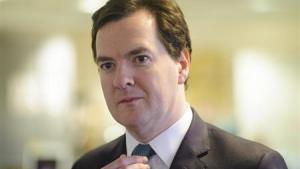 Britiske banker der ikke beskytter deres almindelige aktiviteter fra risikable investeringsstrategier, vil fremover risikere alvorlige sanktioner. Det fortæller den britiske finansminisiter, George Osborne , i en tale senere i dag.
