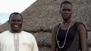 En 16-årig pige fra Sydsudan er blevet bortauktioneret til højestbydende på Facebook. På trods af medieopmærksomheden, blev Facebook først opmærksom på opslaget 3 dage efter at pigen var blevet bortgift. Aktivister frygter at fremgangsmåden vil vinde udbredelse i regionen
