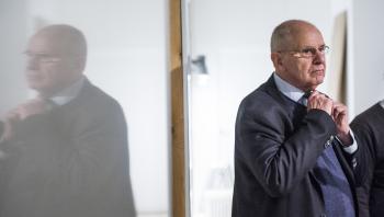 Den 72-årige Jørgen Ejbøl, der går under kælenavnet 'Pansergeneralen', har slået til igen. Skiftet i toppen af JP/Politikens Hus puster til en gammel magtkamp i huset.