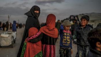 Fratagelse af statsborgerskab er en straf kendetegnet ved, at borgeren ikke kan afsone dommen og vende tilbage til dagligdagen. Der er ingen tro på resocialisering. I stedet burde regeringen gå efter at tvangsanbringe børnene fra de syriske lejre og resocialisere forældrene, skriver ph.d. Mustafa K. Topal i denne kronik