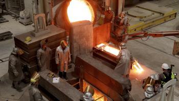 Et metalværk i Tyskland er ved at støbe en skibsskrue til en kunde i Kina. Det er den form for produktionesvækst, som ikke i praksis lader sig indpasse i en cirkulær økonomi.