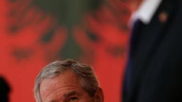 I det konflikthærgede Kosovo og det fattige Albanien lever endnu George Bushs vision om frihed og demokrati via stormagtsintervention