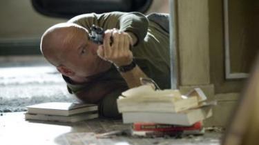 Action! Med Die Hard-filmene - som på fredag blænder op for den fjerde i rækken - blev skuespilleren Bruce Willis- karriere lagt på skinner.