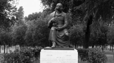 Nikolaj Gogol (1809-1852) foreviget ved Villa Borghese i Rom, Italien.