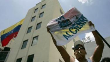 Tror man, at journalister i Latinamerika nyder redaktionel frihed til at udøve det ædle erhverv, så har man fat i en meget lille del af sandheden. Selvom Chávez' inddragelse af RCTV's sendetilladelse tolkes som et anslag mod ytringsfriheden, kan medierne selv næppe kalde sig frie og uafhængige