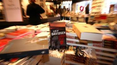 Et nyt storforlag vil styrke forlæggerne over for de store boghandlerkæder, siger bogbranchens optimister. De bekymrede frygter, at unge og ukendte forfattere får endnu sværere ved at få deres ord i trykken
