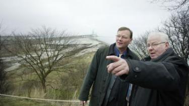 Socialdemokraterne støtter stadig Femern-bro, men flere folketingsmedlemmer går nu imod partilinjen. Ifølge en kilde er der stemning for at kræve, at Tyskland bærer 50 procent af den økonomiske risiko
