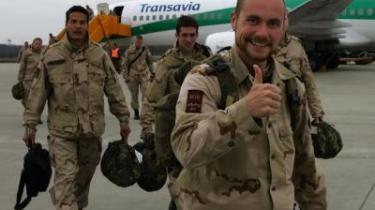 Holland har ligesom Danmark fået en ny type krigsvetaraner - de unge veteraner, der har været på mission i Bosnien, Irak eller Afghanistan. I Holland tilbyder man hjælp, hvis det er nødvendigt, til både de hjemvendte soldater og deres pårørende.