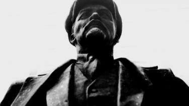 Tillid er godt, men kontrol er bedre, mente Lenin og mener statsministeren. Derfor vokser det offentlige kontrolapparat og ikke de ydelser, som samfund og borgere har brug for.