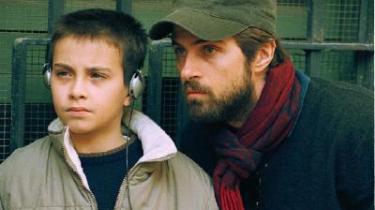 Alessandro Morace som sønnen og Kim Rossi Stuart faderen Renato i Rossis prætentiøse familiedrama -Libero-.