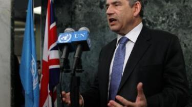 Den britiske premierminister Gordon Brown tilskrives en del af æren for den nye aftale om stationering af FN-soldater i Darfur, og Brown er i det hele taget kommet heldigt fra land som premierminister.