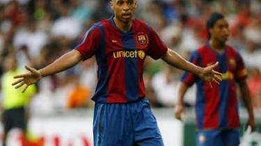I Barcelona har man nærmest vundet på forhånd. Ikke kun med købet af enmandshæren fra Arsenal, franskmanden Thierry Henry, men også med den berømte trekant - Ronaldinho, Messi og Deco - ligner det mest af alt en opdatering af Real Madrid fra gamle dage.