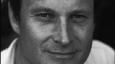- skriver kok m.m. Claus Meyer, der netop har gjort come back som tv-kok i 'Smag på Danmark' og udsendt en bog om de ildsjæle og iværksættere, han mødte undervejs