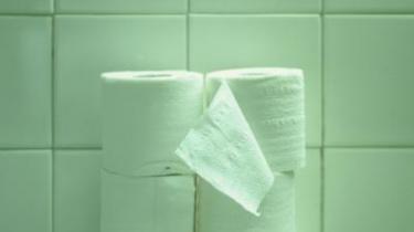 Det stille danske svind. Vi danskere tager genstande, når det passer os. Det er vores ret. Om det så er værtshusets toiletpapir.