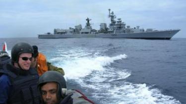 I april holdt USA, Indien, Japan og Australien en flådeøvelse i farvandet ud for Filippinerne. Også dengang under store protester fra Kina.