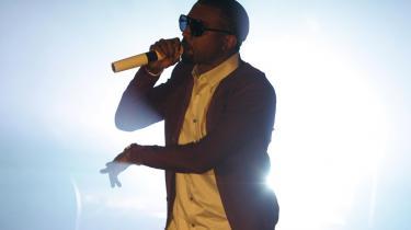 Samvittighedsfuld rap. Kanye West står så nær toppen af hip hop-tronen, som man kan komme. På tirsdag udkommer sidste del i trilogien, der meget passende har fået titlen -Graduation-.