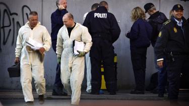 Aktion. Politi og teknikere i aktion på Glasvej i København i forbindelse med tirsdagens arrestationer af den gruppe, PET knytter sammen med ledende al-Qaeda-folk.