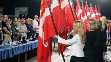 Dannebrog var rigt repæsenteret ved Dansk Folkepartis landsmøde i Odense i weekenden. Her advarede Pia Kjærsgaard i tale mod at stole på Naser Khader og Ny Alliance