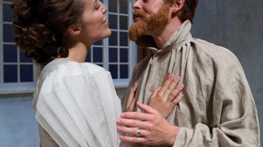 Tænk hvis denne musical havde fokuseret på Caspar Phillipsons fænomenale portræt af Krøyer i skilsmissekrise. Nu kæntrer forestillingen ud for Sønderstrand