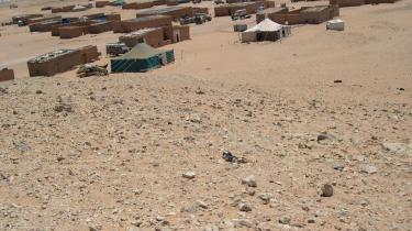 Billedet viser en flygtningelejr i Sahara. Efter at Spanien trak sig ud af Vestsahara i 1975 blev landet invaderet af Marokko, som siden har undertrykt det saharianske folk