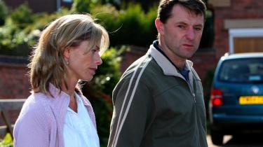Kate og Gerry McCann er enten udsat for, at deres barn er kidnappet og myrdet. Eller også er de skyldige og har iscenesat den mest fuldendte globale mediebegivenhed.