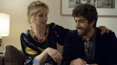 Paris. Marion (Julie Delpy) og hendes kæreste Jack (Adam Goldberg) kommer til Paris efter nogle mislykkede dage i Venedig. Men Paris bliver heller ikke nogen nem tur.