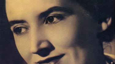 Da den britiske pianist Joyce Hatto døde for et år siden, var alverdens aviser ikke i tvivl. Hatto var en af de største pianister, der havde levet. En fantastisk historie om musikhistoriens største comeback, der efter årtier i skyggen, pludseligt og dødeligt syg begyndte at spytte albums ud på samlebånd i en uhørt høj kvalitet. En sejr over kræften og en hyldest til livet. Der var bare et problem...