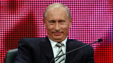 Rusland går til parlaments- og præsidentvalg den 2. december, men allerede nu kan Vladimir Putin smile sejrssikkert. Han er nemlig helt sikker på sejren.