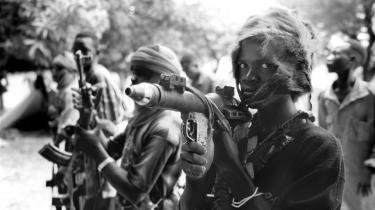 Selv beskedne våbenleverancer til ustabile afrikanske regimer kan have en særdeles destruktiv effekt. Som f.eks. Kinas eksport af våben til Sudan.