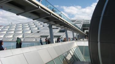 Ambitiøst. To norske arkitekter har med biblioteket i Alexandria udformet et sandt vidunder af en bygning, der med sine 63.000 kvadratmeter er et af klodens største biblioteker.