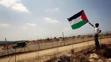 Hvis det palæstinensiske folk skal samles, er der brug for folk som Fatah-lederen Marwan Barghouti, lyder det fra mange palæstinensere. Barghouti har dog siden foråret 2002 har siddet i israelsk fængsel, hvor han afsoner fire livstidsdomme.