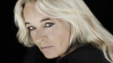 Anne Linnet leverer på sit nye album tolv meget, meget fine sange (heriblandt en to til tre decideret sublime), som trods et bredt stilistisk spænd ikke desto mindre i samlet trop udgør den smukkeste buket sange af stor sammenhængskraft.