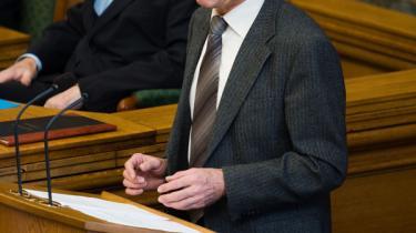Statsminister Anders Fogh Rasmussen udløste spændingen efter længere tids valgrummel og udskriver folketingsvalg til afholdelse tirsdag den 13. november