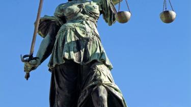 Kritikken af Udvalgene vedrørende Videnskabelig Uredelighed er hård fra jurister samt tidligere og nuværende medlemmer af UVVU. Flere kritikere kalder UVVU et retspolitisk misfoster, der ikke er, hvad det giver sig ud for at være.