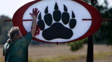 Blackwater har blod på hænderne, var budskabet, da aktivister i sidste uge demonstrerede ved sikkerhedsfirmaets ejendom i Moyock i North Carolina, USA.