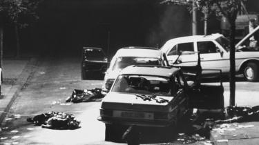 Forklaringen på at der opstod terrorisme, der hærgede Tyskland i 30 år, skal ikke findes i en sag, men i personlige aggressioner. Hjulpet godt på vej af et samfund, hvor antisemitisme og antidemokratiske bevægelser var tradition, mener Peter Wivel, forfatter til en ny bog om Baader-Meinhof