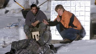 Den patriotiske korpsånd, som Hollywood pålagde sig selv efter 11. september, er ved at være slidt ned. Stadigt flere amerikanske instruktører begynder i deres værker at stille ubehagelige spørgsmål til de krige, USA fører. I dag har Robert Redfords 'Lions for Lambs' dansk premiere