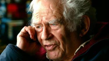 -Den bitre sandhed er, at jeg er forbandet med en opfattelse, der gør, at jeg først er tilfreds, når jeg har revolutioneret vor tids fælles bevidsthed,- skrev Norman Mailer i -Advertisements for Myself-.