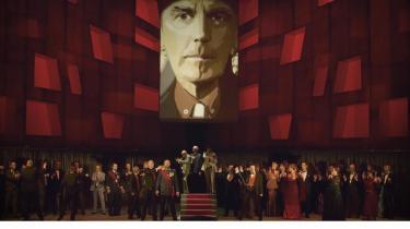 Kasper Bech Holten formår at bringe en operas handling frem til nutiden bedre end de fleste moderne operainstruktører, hvis iderigdom ikke altid er ment som en kompliment.
