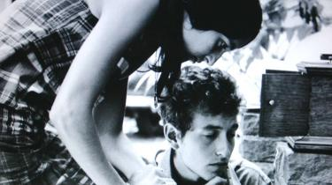 Murray Lerners dokumentar om Bob Dylans tre show ved Newport Folk Festival i årene 1963-1965 viser en af de mest forbløffende forvandlinger en sangskriver nogensinde har gennemgået