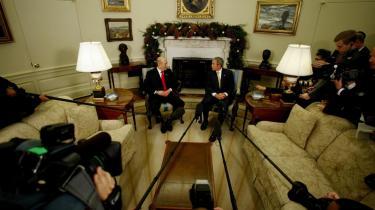 Præsident George Bush og Israels premierminister Ehud Olmert mødtes i Washington før de egentlige forhandlinger på den mellemøstlige fredskonference, som finder sted i dag i den amerikanske by Annapolis.