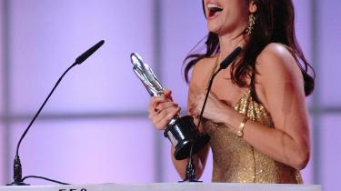 Ved sidste års European Film Awardsi Warszawa i Polen fik Penelope Cruz en pris for sin hovedrolle i Pedro Almodóvars -Volver-.