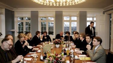 Debat. Fogh havde i 2004 inviteret det danske kulturliv - repræsenteret af forfattere - til møde under overskriften: værdidebat. Men alt, mødet kom til at handle om, var flere penge til forfatterne.