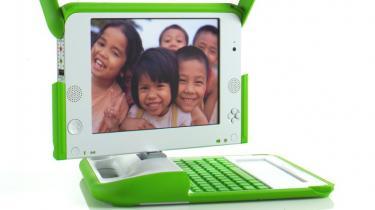 Drømmen om at bringe 100 dollar-computeren til alle udviklingslandes børn og løfte dem ud af fattigdom har det svært. Årsagerne er de sædvanlige: en kompliceret hverdag med mange aktører, men også uventet konkurrence