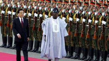 Nigerias præsident Olusegun Obasanjo og den kinesiske præsident Hu Jintao mødtes i Beijing i april 2005 for at diskuterede yderligere samhandel mellem de to lande.