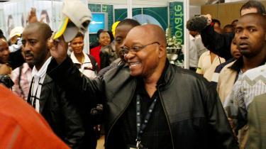 Sydafrikanerne opfatter Zumas varme, vennesæle personlighed som udtryk for, at han bekymrer sig mere om de fattige, og de tror, at de ved at støtte Zuma, uanset hans fejl, har størst chance for at sikre, at den nuværende præsident Mbeki virkelig sættes fra magten.