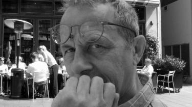 Radiomanden. Peter Kristiansen optog sin egen fars død - og også sin egen. Han døde af en uhelbredelig, galoperende kræft, og forløbet blev optaget til en radiomontage, der bliver sendt på DR-s P1.